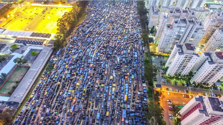 """O """"bombardeio"""" ao trabalho continua no Brasil"""