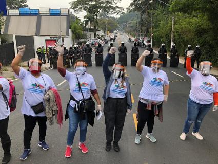 A luta das mulheres nas comunidades populares em contexto de crise e pandemia